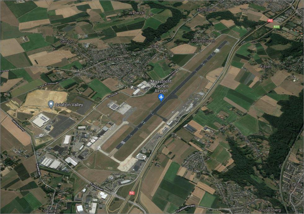 Ligging van luchthaven is, net als bij Rotterdam The Hague Airport zeer dicht nabij woningen (foto: Google Maps)